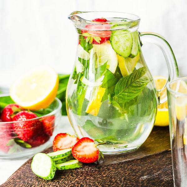 Come adeguare la dieta per fronteggiare il caldo dell'estate?