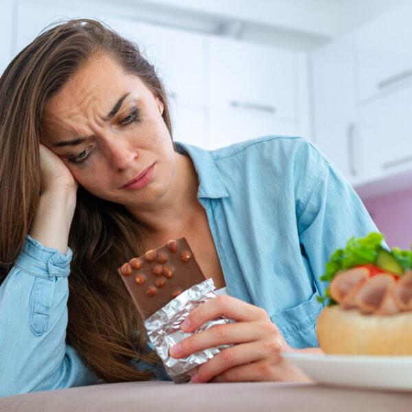 Fame emotiva e dipendenza dal cibo: il loop da interrompere